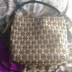 Michael Kors Bedford Large Zip Shoulder bag